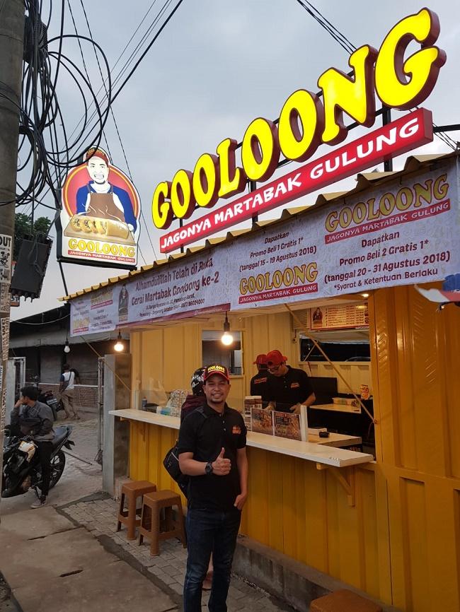 Mencari Pahala Lewat Bisnis Martabak Gooloong